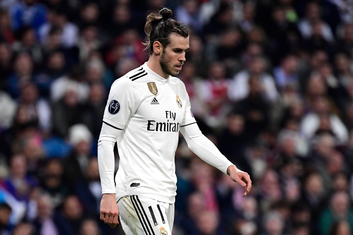 Bale Given Cold Shoulder By Zidane