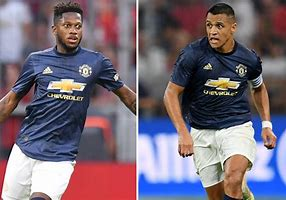United to offload Fred and Sanchez