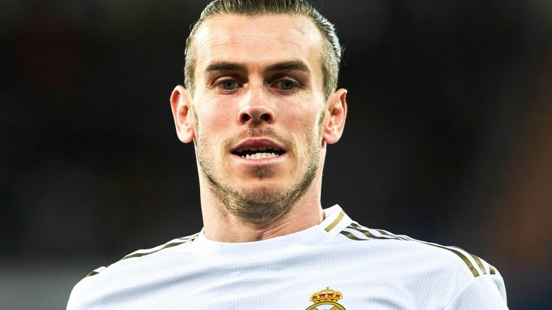 Gareth Bale can handle any Real Madrid criticism, insists Wales boss Ryan Giggs