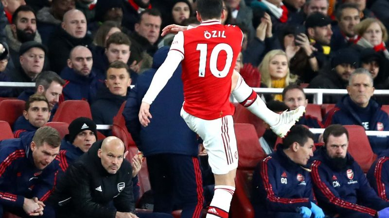 Freddie Ljungberg fires warning at Mesut Ozil in final act as Arsenal manager