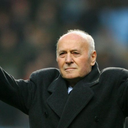 Ex-Aston Villa boss Ron Saunders dies at 87