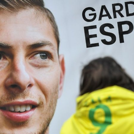Nantes unveil Sala tribute one year on