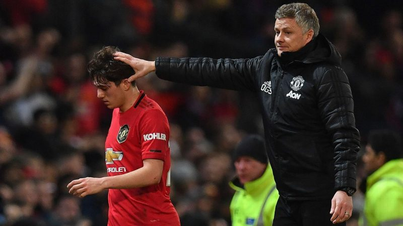 Manchester United played worst half of season against Man City