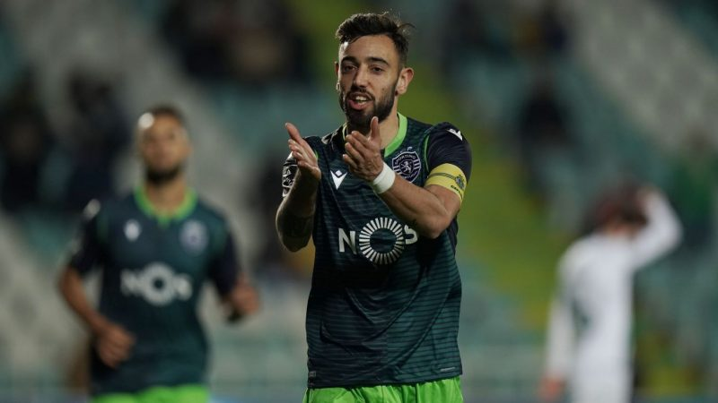Man United and Sporting meet over Fernandes