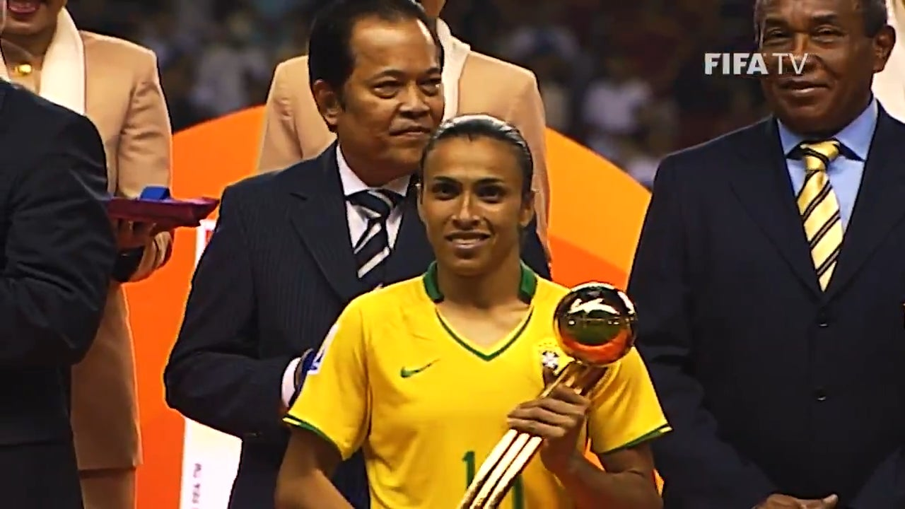 The Women's World Cup all-time leading scorer with 17 goals. Six times FIFA World Player of the Year. One of the greatest female footballer of all times. Brazilian icon. Happy Birthday Marta! : WomensSoccer