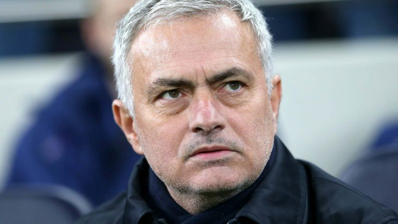 Jenas says Spurs fans 'will not allow' Mourinho to be negative at home