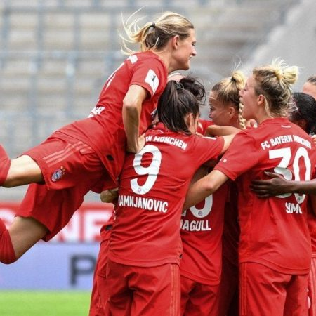 Bayern Munich women's team is going through a complete overhaul : WomensSoccer